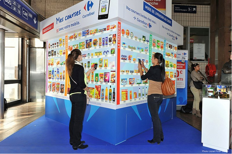 Carrefour lance le magasin virtuel marketing communication - Magasin la redoute sur paris ...