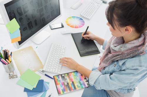 Découvrir le métier de graphiste webdesigner